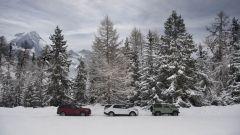 Land Rover Defender: un teaser in cima alle Alpi francesi - Immagine: 4