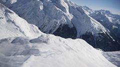 Land Rover Defender: un teaser in cima alle Alpi francesi - Immagine: 7