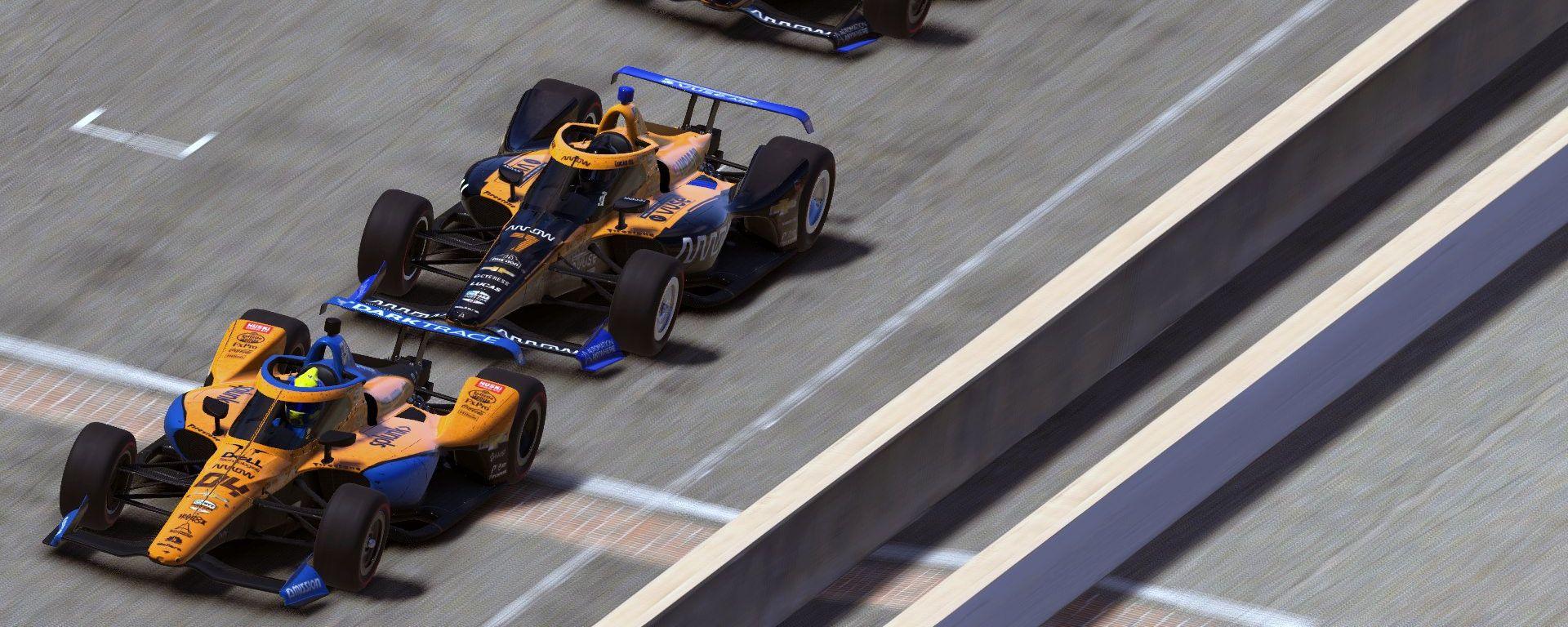 Lando Norris guida la gara sul tracciato di Indianapolis