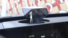 L'assistente virtuale è un ologramma in 3D sul SUV elettrico cinese Bestune E01
