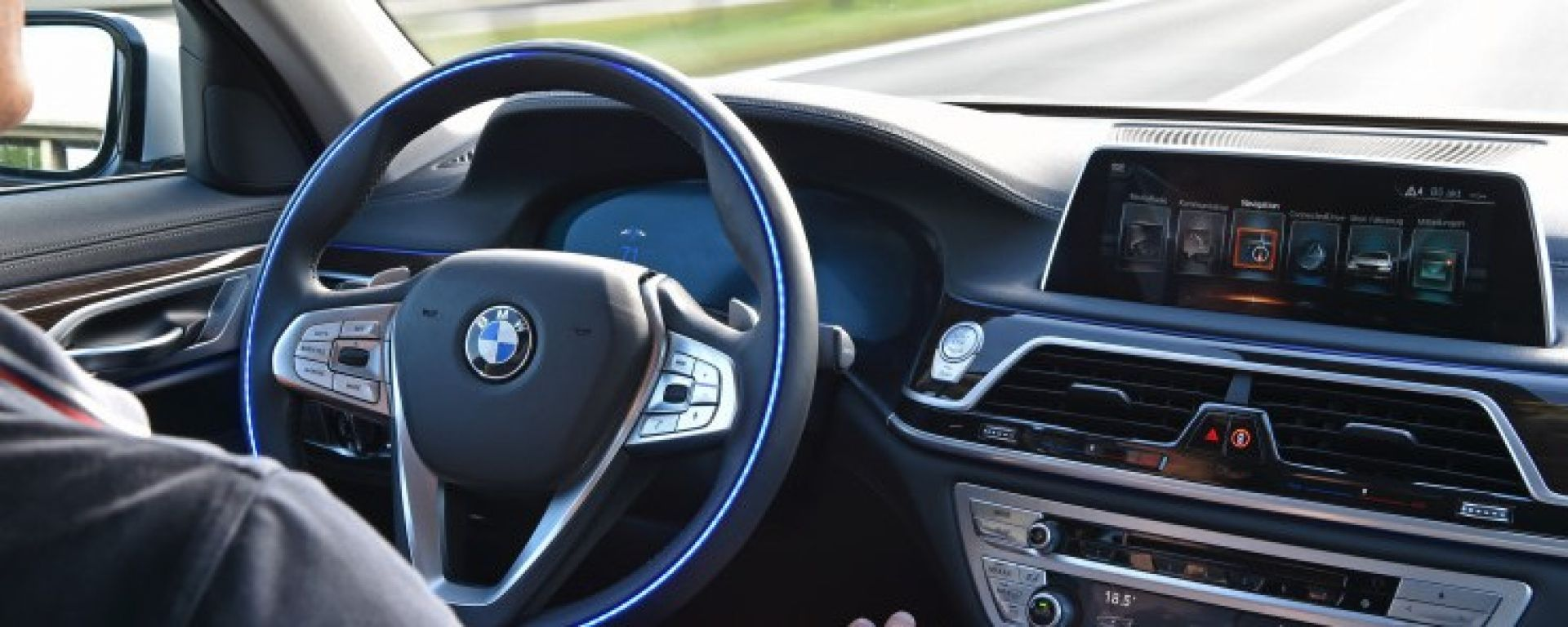 L'assistente vocale Alexa sarà integrato su tutte le BMW della gamma 2018