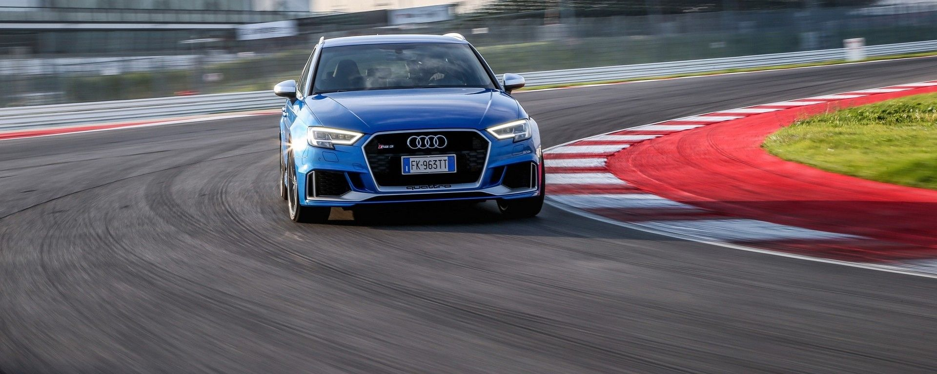 L'Audi RS 3 Sportback 2017 al Misano World Circuit