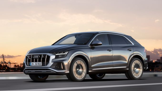 L'Audi SQ8 2020 su strada