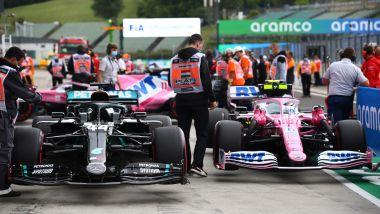 Le auto di Stroll (Racing Point) e Hamilton (Mercedes) al termine del GP d'Ungheria 2020