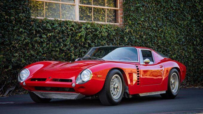 Le auto italiane più iconiche con motore V8: la Iso Grifo