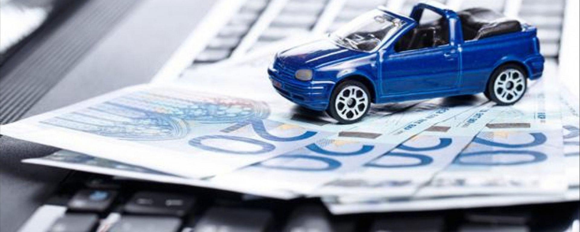 Le auto si compreranno online: ecco cosa emerge da un'indagine Quintegia