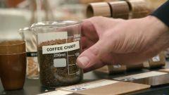 Le bucce dei semi di caffè usate per la produzione della nuova plastica composita