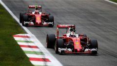 Le due Ferrari all'inseguimento delle Mercedes AMG F1