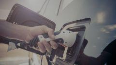 Le emissioni di CO2 delle PHEV sono più basse di Diesel e benzina?