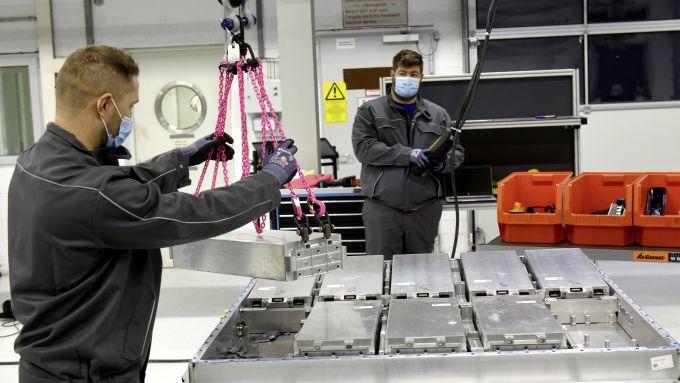 Le fasi del riciclo nell'impianto Volkswagen di Salzgitter