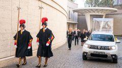 Le guardie svizzere e la Dacia Duster 4x4