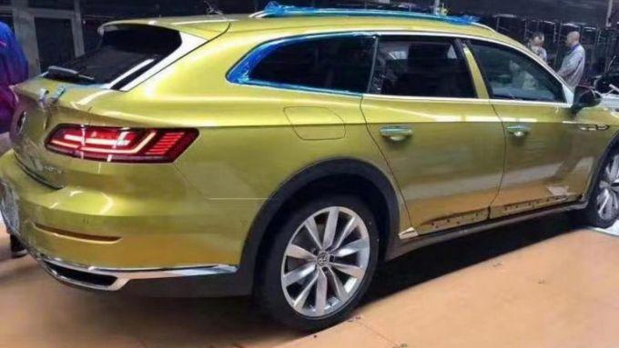Le immagini della Volkswagen CC Travel Edition prodotta in Cina