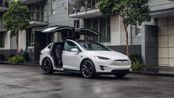 Le macchine migliori e peggiori che ho guidato: Tesla Model X
