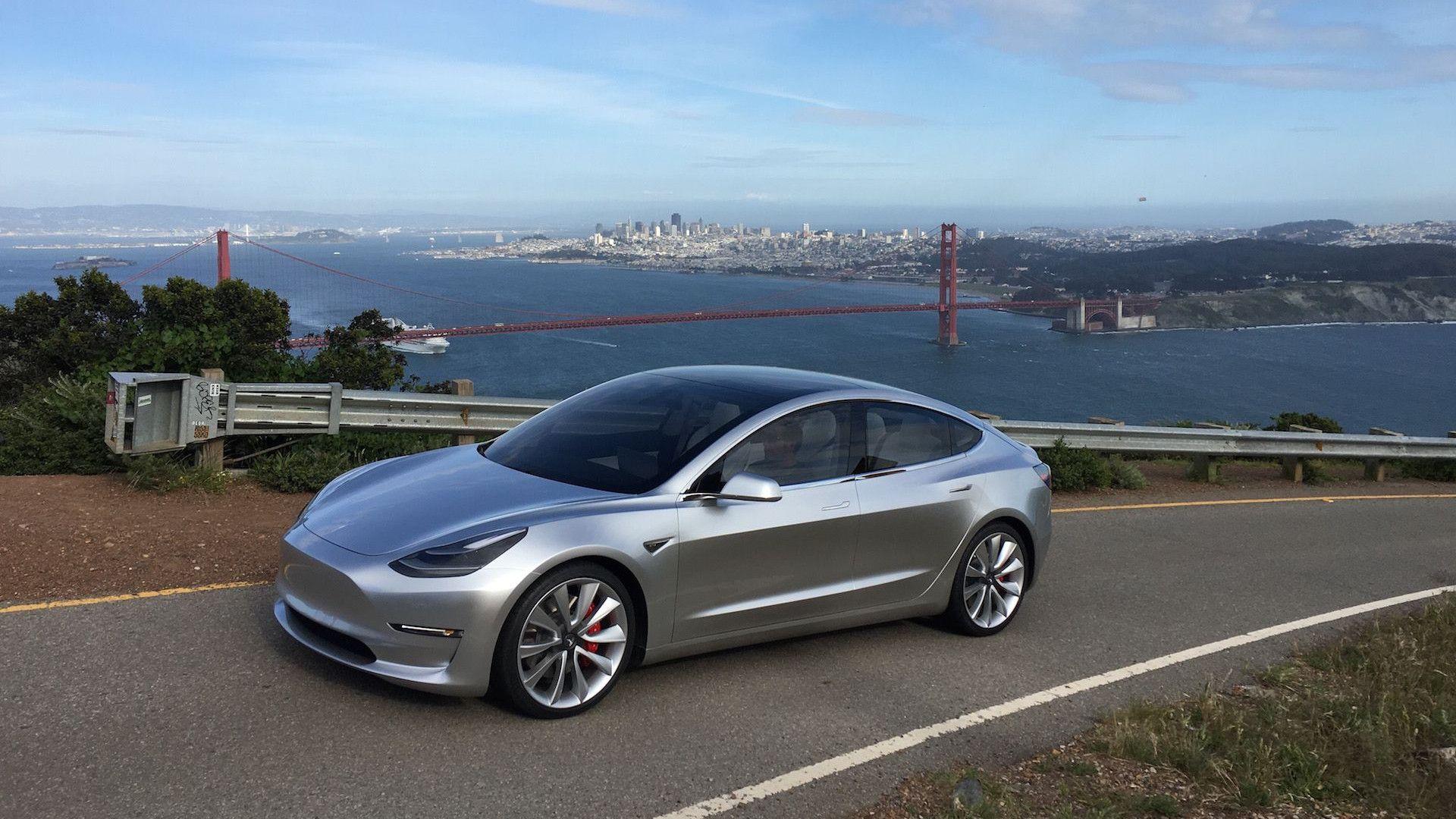 Tesla Model 3 2020: batteria da 100 kWh, autonomia, prezzo ...
