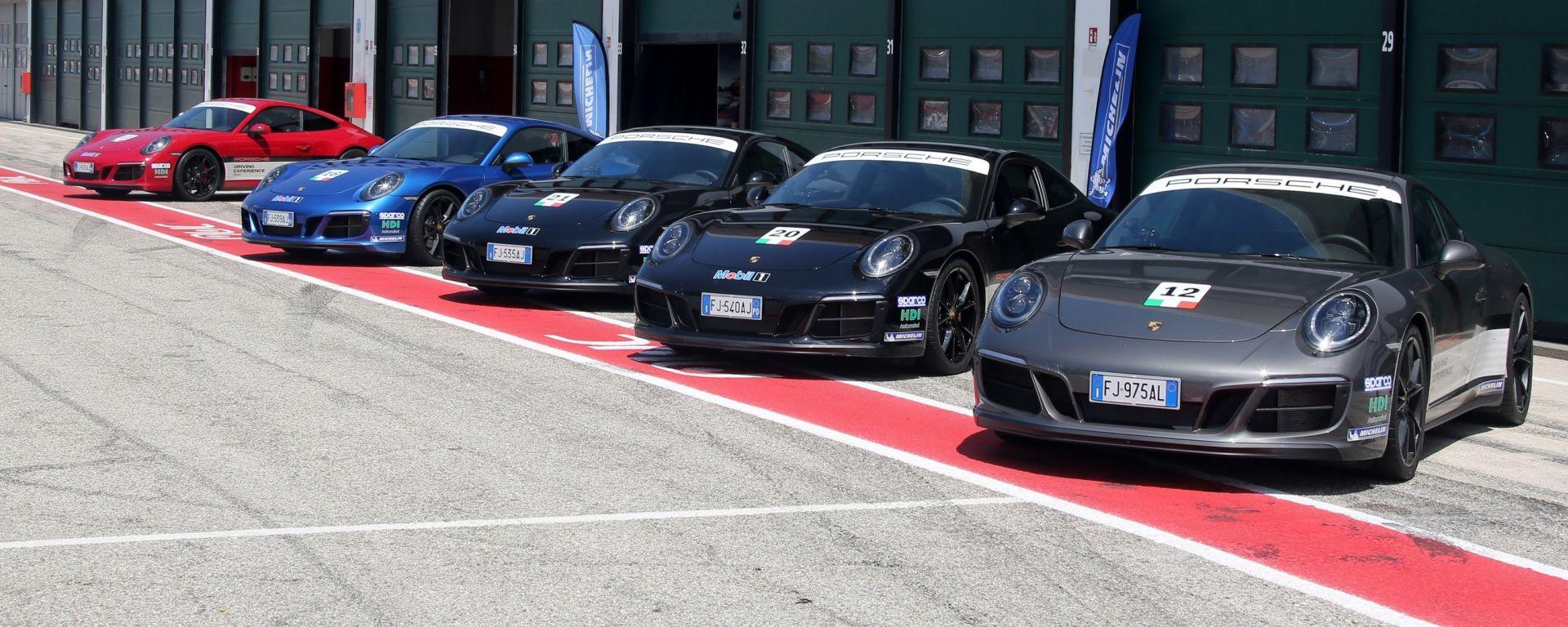 Le Porsche 911 GTS Carrera 2 e 4 schierate per la prova pneumatici Michelin