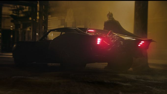 The Batman: la Batmobile nelle nuove foto dal set con Robert Pattinson!
