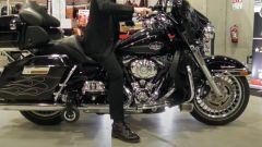 Harley-Davidson con le rotelle, il video del sistema anti caduta