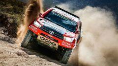 Le Toyota Hilux pronte a dar battaglia alle Peugeot 3008 DKR