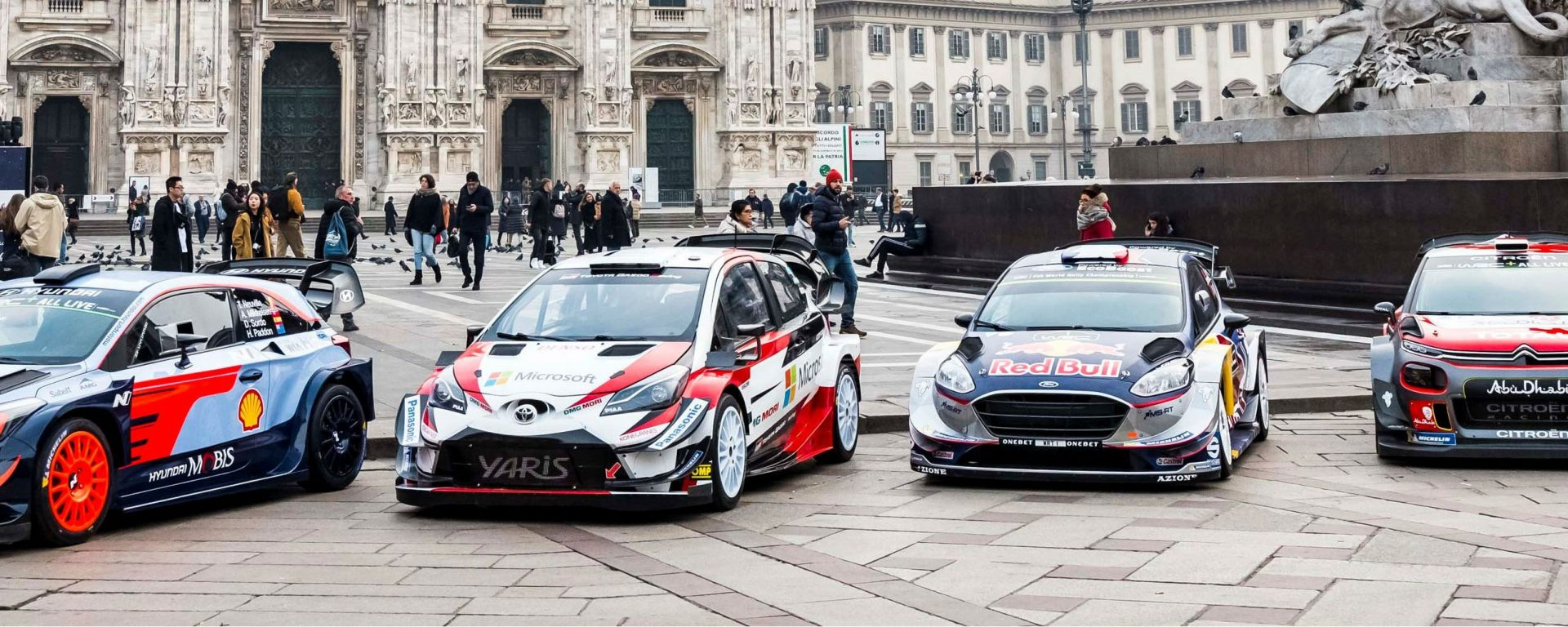 Le WRC davanti al Duomo per festeggiare il Monza Rally Show