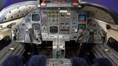 Learjet 31 Nel blu dipinto di blu by Garage Italia Customs: anche la cabina di pilotaggio è stata modificata