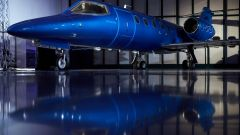 Learjet 31 Nel blu dipinto di blu by Garage Italia Customs: l'aereo appartiene all'italiana Avionord
