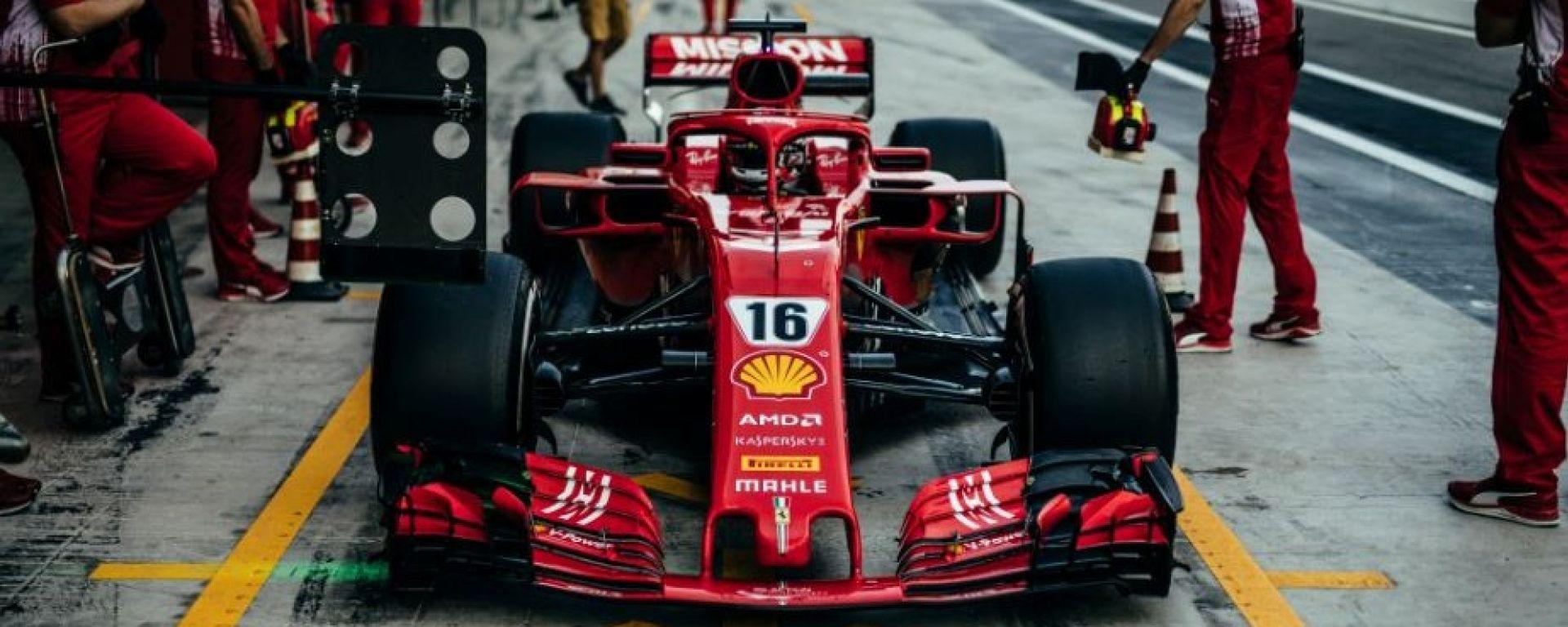Leclerc e il titolo al debutto in Ferrari. I bookmakers dicono che...