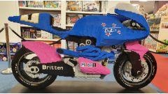 Una Britten V1000 fatta di lego... A grandezza naturale (video) - Immagine: 1