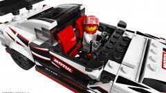 LEGO Nissan GT-R Nismo: visuale dell'abitacolo