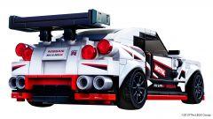 LEGO Nissan GT-R Nismo: visuale di 3/4 posteriore