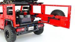 Lego Suzuki Jimny: portellone posteriore aperto