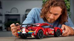 LEGO Technic Ferrari 488 GTE: da ammirare e rimirare!