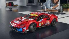 LEGO Technic Ferrari 488 GTE: scheda, immagini, video, prezzo