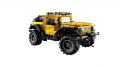 Lego Technic Jeep Wrangler Rubicon, vista 3/4 anteriore