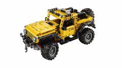 Lego Technic Jeep Wrangler Rubicon, vista 3/4 dall'alto