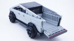 LEGO Tesla Cybertruck: con il cassone aperto