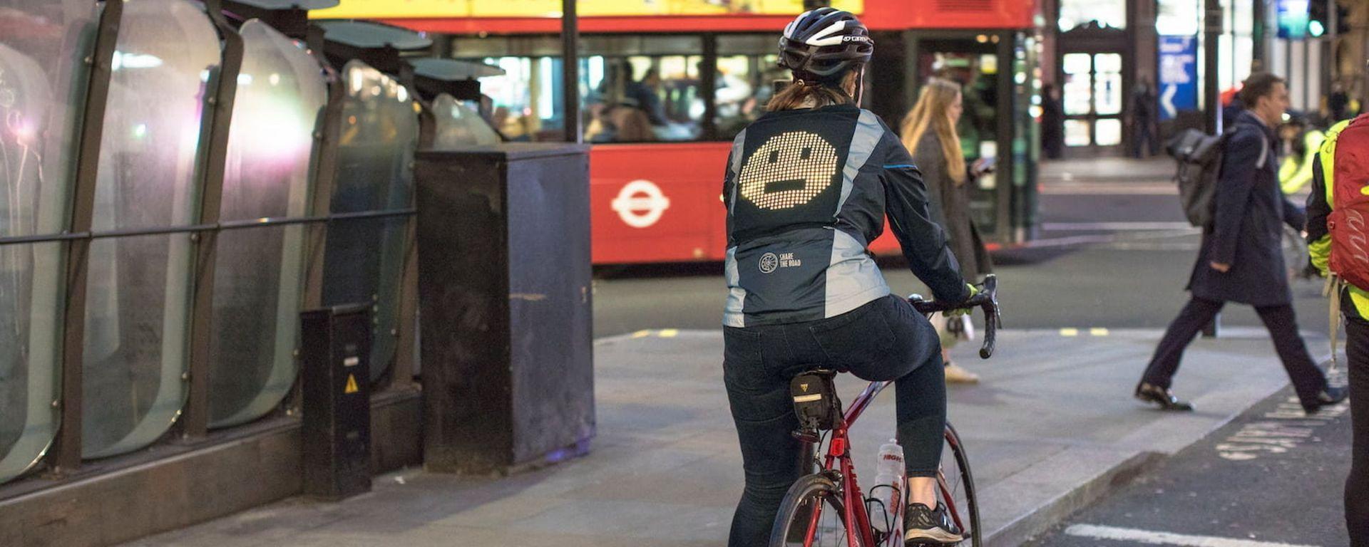 L'Emoji Jacket di Ford in prova a Londra