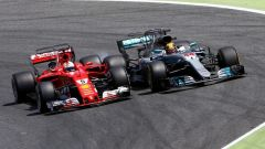 Lewis Hamilton contro Sebastian Vettel a Barcellona 2017