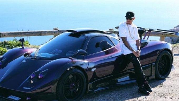 Lewis Hamilton e la sua Pagani Zonda personalizzata
