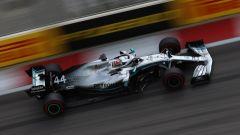 Lewis Hamilton in pista a Sochi 2019
