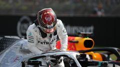 Lewis Hamilton (Mercedes) esce dalla W10 dopo le qualifiche del GP Germania