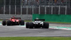 Lewis Hamilton (Mercedes) insegue Vettel (Ferrari) nelle FP1 di Monza
