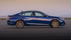 Nuova Lexus ES Hybrid: arriverà anche in Europa. Le dimensioni, i motori