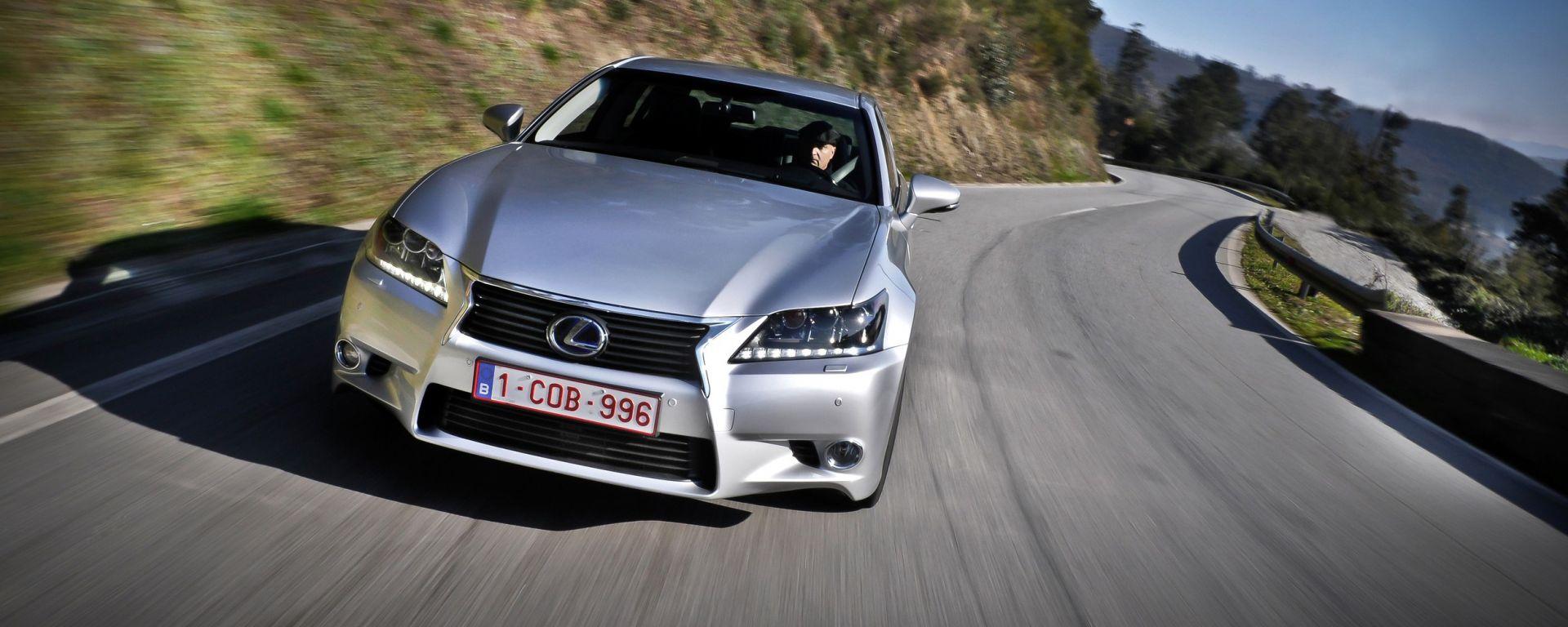 Lexus GS 450h 2012, ora anche in video