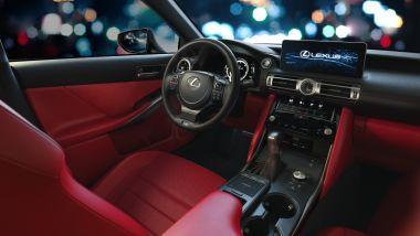 Lexus IS 2021, gli interni