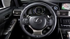 Lexus IS 300h - Immagine: 26