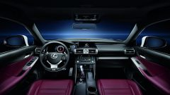 Lexus IS 300h - Immagine: 23