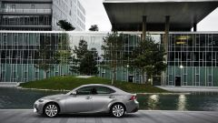 Lexus IS 300h - Immagine: 12