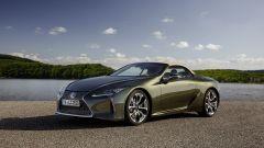 Lexus LC 500 Convertible 2021: la capote si apre e chiude in 15 secondi