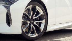 Lexus LC 500: essere coupé tra lusso e tecnologia - Immagine: 17