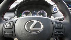 Lexus NX: il volante